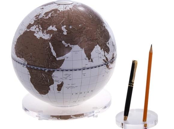 глобус с подставкой для письменных принадлежностей